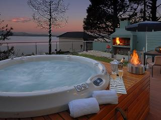 Walk to Town and Private Jacuzzi !! TD8 - San Carlos de Bariloche vacation rentals