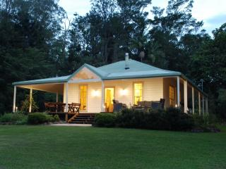 Perfect 2 bedroom Cottage in Bellingen with A/C - Bellingen vacation rentals
