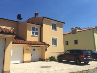 TH02006 Apartments Mara / One bedroom A1 - Liznjan vacation rentals