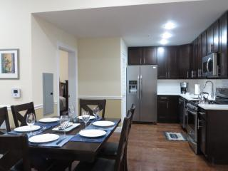 2 beds and 2 baths with amazing views of NYC - Union City vacation rentals