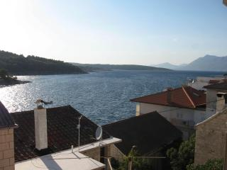 Nice Condo with Television and Satellite Or Cable TV - Povlja vacation rentals