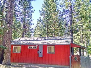 Perfect Cabin with Deck and Television - Acampo vacation rentals
