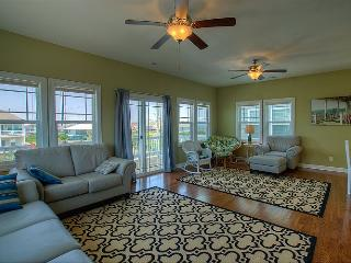 Settle In - Colorful Coastal Design, Modern Amenities, Pool, Near Beach Access - Surf City vacation rentals