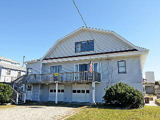 Barnacle - Fantastic View, Pet Friendly, Spacious Deck, Oceanfront Access - Topsail Beach vacation rentals