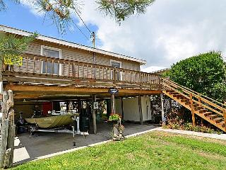 Margaritaville - Delightful Cottage, Canal Front, Dock, Ocean & Sound Access - Topsail Beach vacation rentals