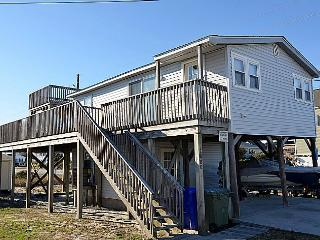Langley's Place - Excellent Ocean View, Screened Porch, Sun Deck, Pet Friendly - North Topsail Beach vacation rentals