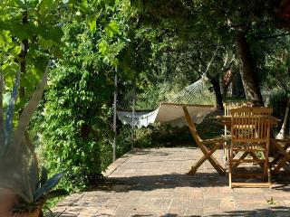 Casa Rosa - Cimabue, two bedroom cottage - Assisi vacation rentals