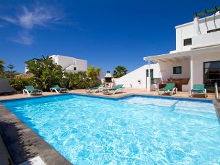 Villa Vicini, with Private Pool & Pool Table, 15-20 min walk to Town Centre - Playa Blanca vacation rentals