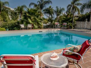 Lovely 6 bedroom House in Marathon Shores - Marathon Shores vacation rentals