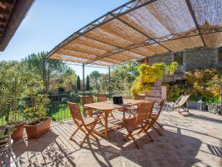 Casa Rosa - Perugino, studio apartment and terrace - Assisi vacation rentals