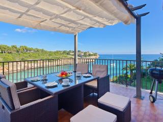 Bright 3 bedroom Condo in Cala Romantica - Cala Romantica vacation rentals