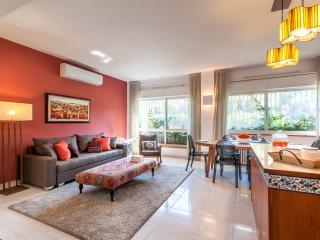 Bright 2 bedroom Condo in Jerusalem - Jerusalem vacation rentals