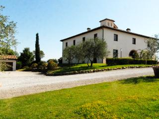 Nice Villa with Internet Access and A/C - Brolio vacation rentals