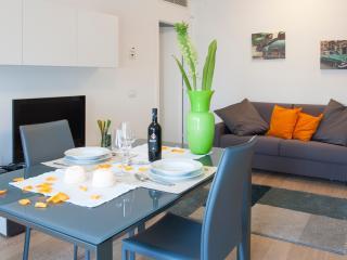 Santa Sofia Apartments - Cavour Apartment - Padua vacation rentals