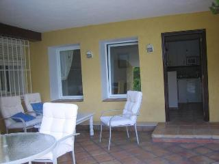 APARTMENT BESIDE POOL - Altea la Vella vacation rentals