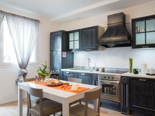 Santa Sofia Apartments - Duomo Apartment - Padua vacation rentals