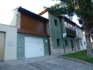Casa de 5 habitaciones dobles en Burgos ciudad - Burgos vacation rentals
