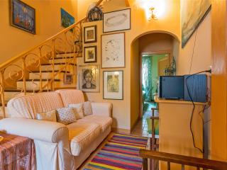 Nice House with Internet Access and A/C - Le Piazze vacation rentals