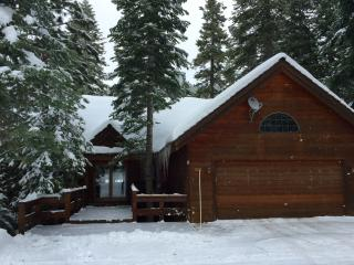 Beautiful 3 bedroom House in Tahoe Vista with Deck - Tahoe Vista vacation rentals