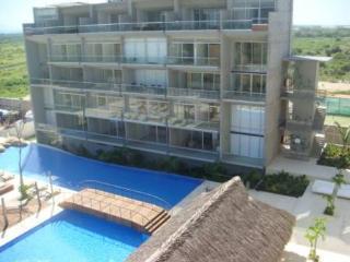 Amazing but affordable apartment near LA ISLA - Acapulco vacation rentals