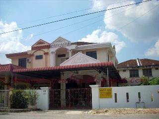 Bright 4 bedroom Vacation Rental in Bukit Mertajam - Bukit Mertajam vacation rentals