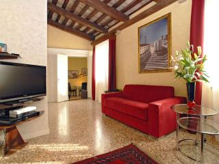 Perfect Venice vacation Apartment with Dishwasher - Venice vacation rentals