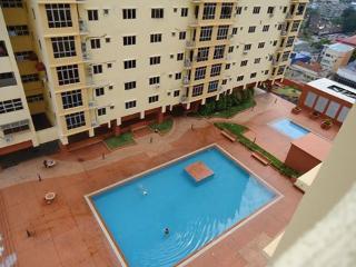 Homestay Bajet Murah Kota Bharu l/d kolam renang - Kota Bharu vacation rentals