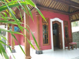 Nusa Garden Honeymoon Bungalow - Nusa Penida vacation rentals