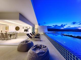 Gorgeous Villa with Infinity Pool & Ocean View - Bophut vacation rentals