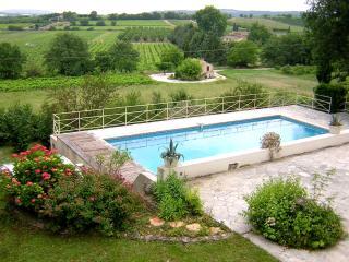 Stone Villa with Views of the Luberon Near Gordes - Villa Amelie - Coustellet vacation rentals
