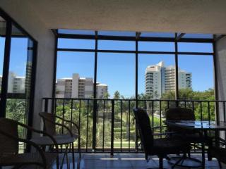 Only steps to the Beach from this Cozy Island Condo ! - Marco Island vacation rentals