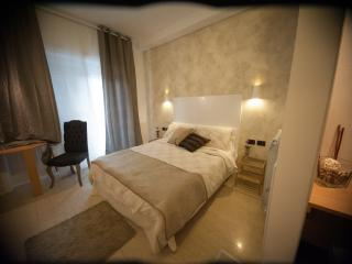 Vatican's Beauty, Deluxe Double Room with Balcony - Rome vacation rentals