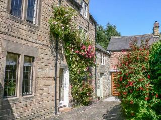 ANNE'S BRIAR COTTAGE en-suite shower, four poster double bed, WiFi in Winster Ref 931261 - Winster vacation rentals