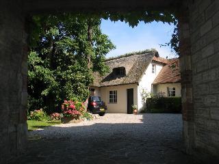 Belle et spacieuse maison normande 4 ch 8 pers - Bavent vacation rentals