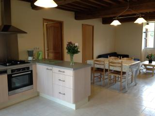 2 bedroom House with Dishwasher in Quarre-les-Tombes - Quarre-les-Tombes vacation rentals