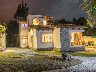 Villa JUCANYA 3, Lago de Atitlán - Panajachel vacation rentals