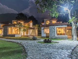 Villa JUCANYA 1, Lago de Atitlán - Panajachel vacation rentals
