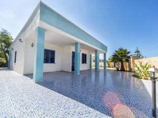 VILLA A DUE PASSI DAL MARE - Gallipoli vacation rentals