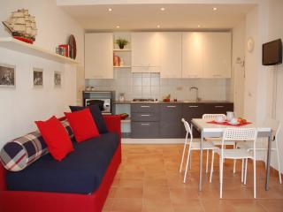 Confortevole appartamento in villa - Finale Ligure vacation rentals