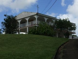 Bright 5 bedroom Le Lamentin Bed and Breakfast with A/C - Le Lamentin vacation rentals