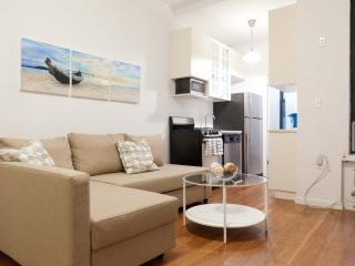 Newly renovated UES Duplex 2 bed & 2bath & Garden! - New York City vacation rentals