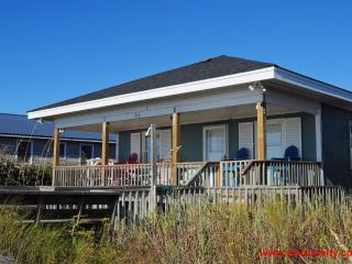 4 bedroom House with Fireplace in Topsail Beach - Topsail Beach vacation rentals