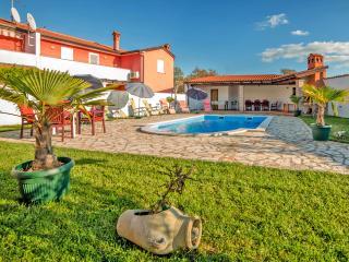 4 bedroom Villa with Internet Access in Rovinjsko Selo - Rovinjsko Selo vacation rentals