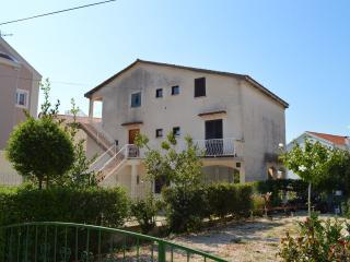 TH00514 Apartments Ivo / Three bedrooms A2 - Brodarica vacation rentals