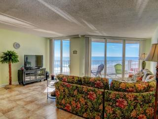 Nice Condo with Deck and Internet Access - North Topsail Beach vacation rentals