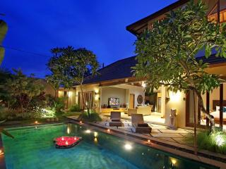 3BR villa, Fully staffed, 10 minute to Seminyak Beach - Seminyak vacation rentals