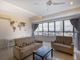 Spacious 3 Bedrooms with Central City View - Georgetown vacation rentals