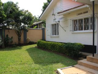 BAZINGA FRIENDSHIP HOUSE-4BR 2BATH HOUSE - Kampala vacation rentals