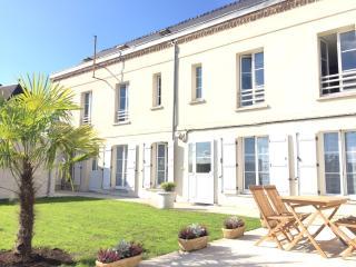 """Laon- Cité médiévale- Duplex  """"Les Capucines"""" avec jardin et Spa privatif - Laon vacation rentals"""