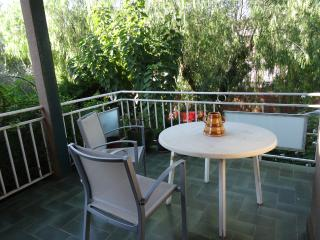 Bright 4 bedroom Apartment in Premia de Mar - Premia de Mar vacation rentals